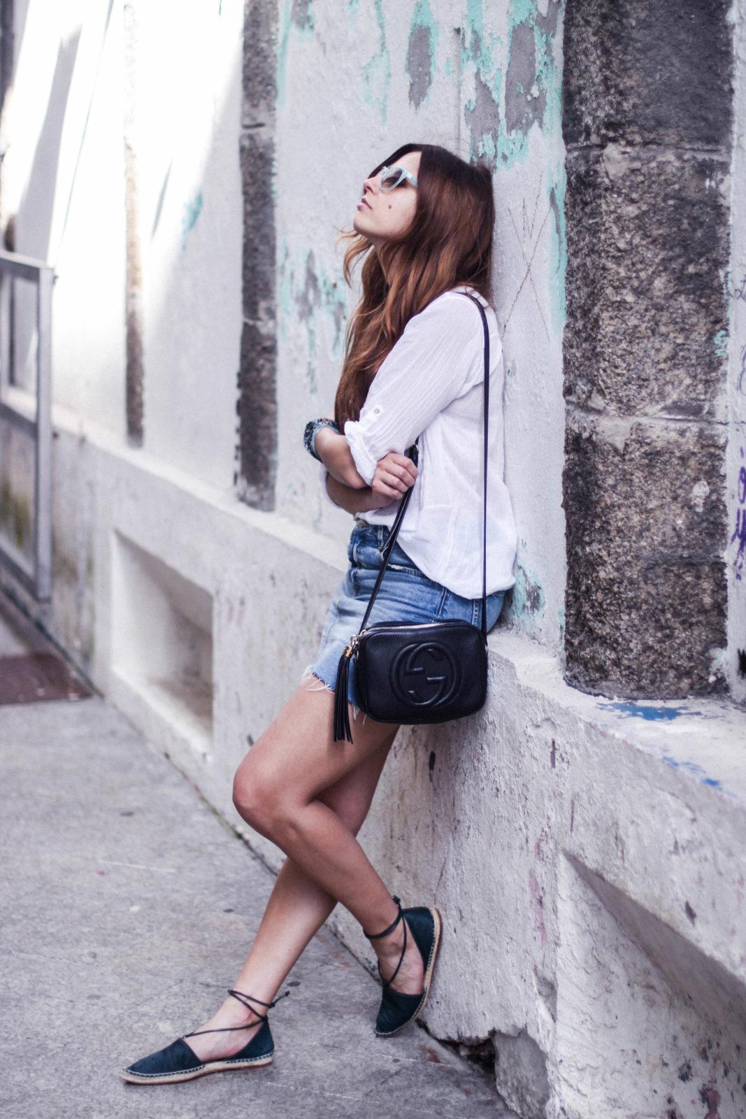 denim_skirt_falda_vaquera_camisa_blanca_alpargatas_espadrilles_look_summer_2016_street_style-8