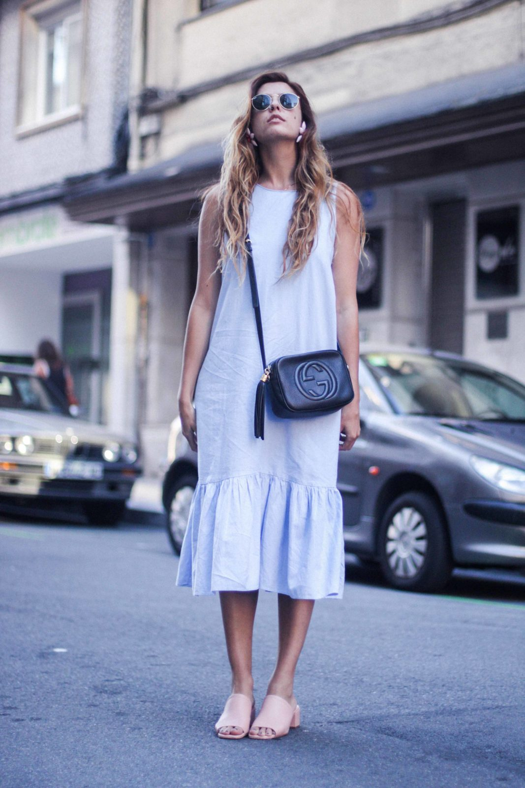 vestido_azul_zara_mules_rosas-20