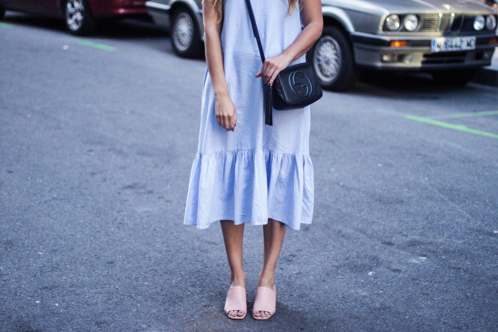 vestido_azul_zara_mules_rosas-21