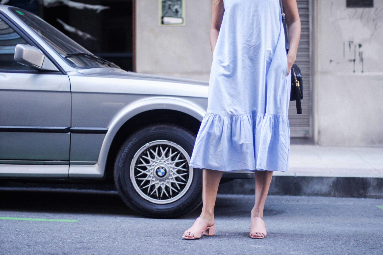 vestido_azul_zara_mules_rosas-26