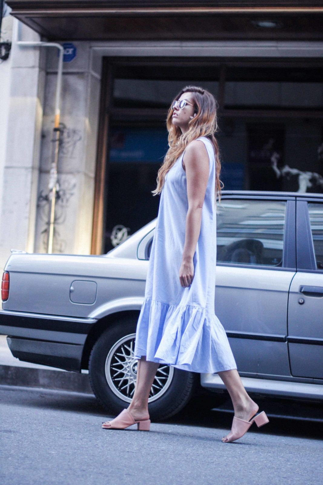 vestido_azul_zara_mules_rosas-38