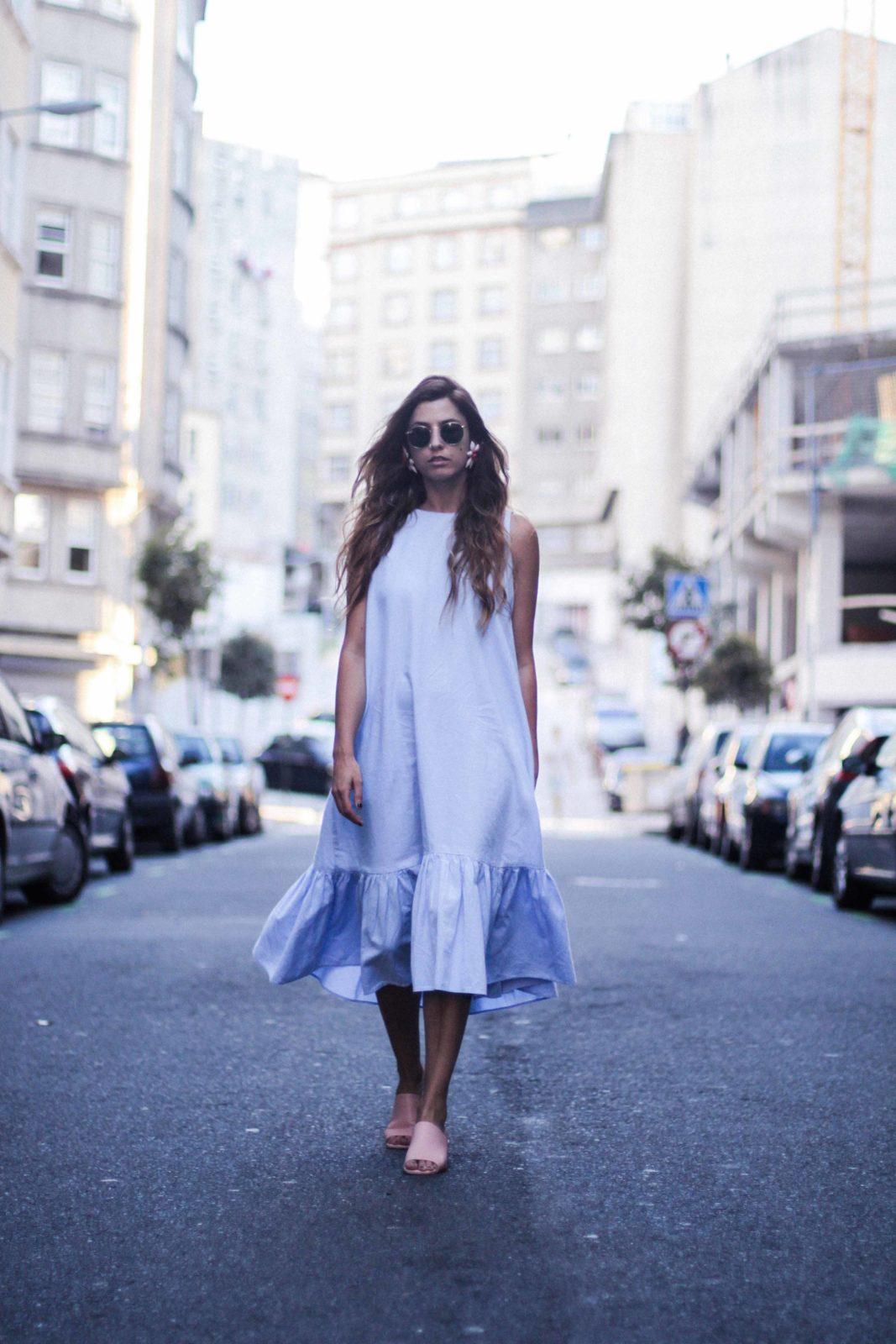 vestido_azul_zara_mules_rosas-48