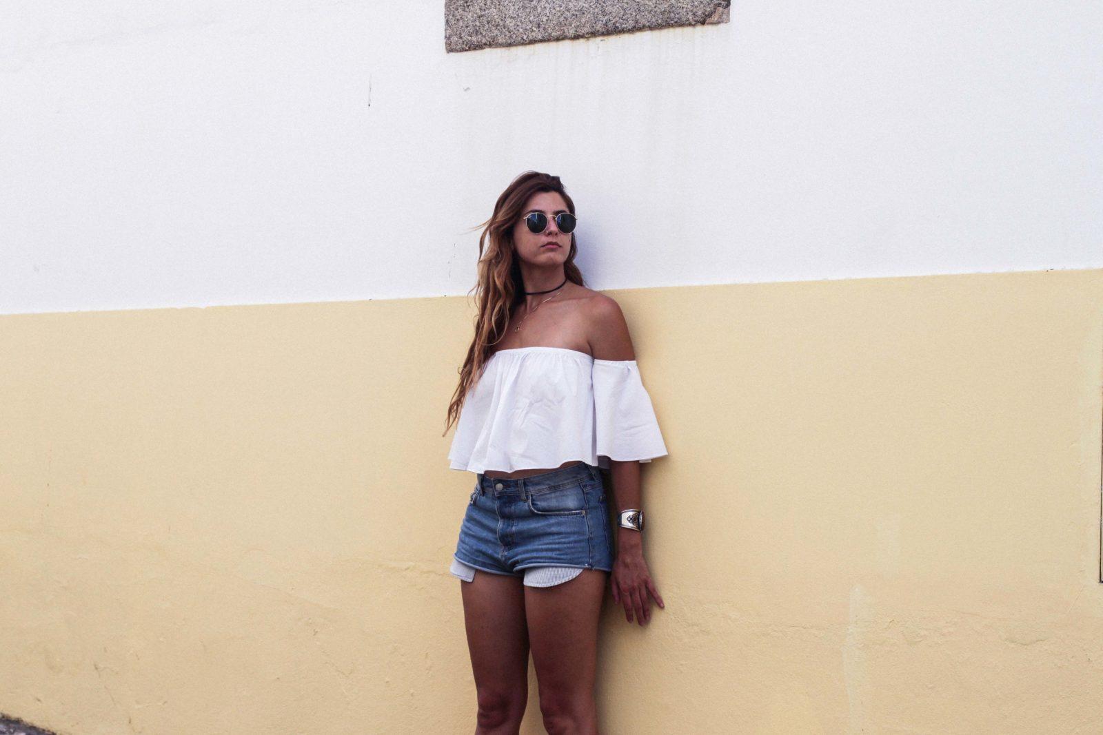 evora_portugal_shorts_top_hombros_al_aire_sandalias_isabel_marant-22