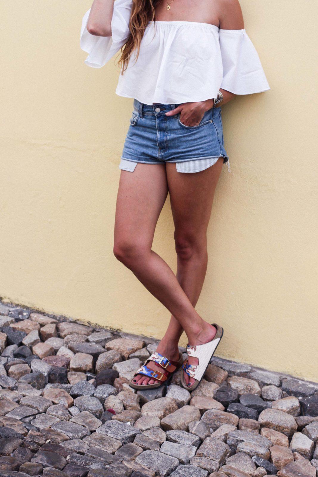 evora_portugal_shorts_top_hombros_al_aire_sandalias_isabel_marant-24