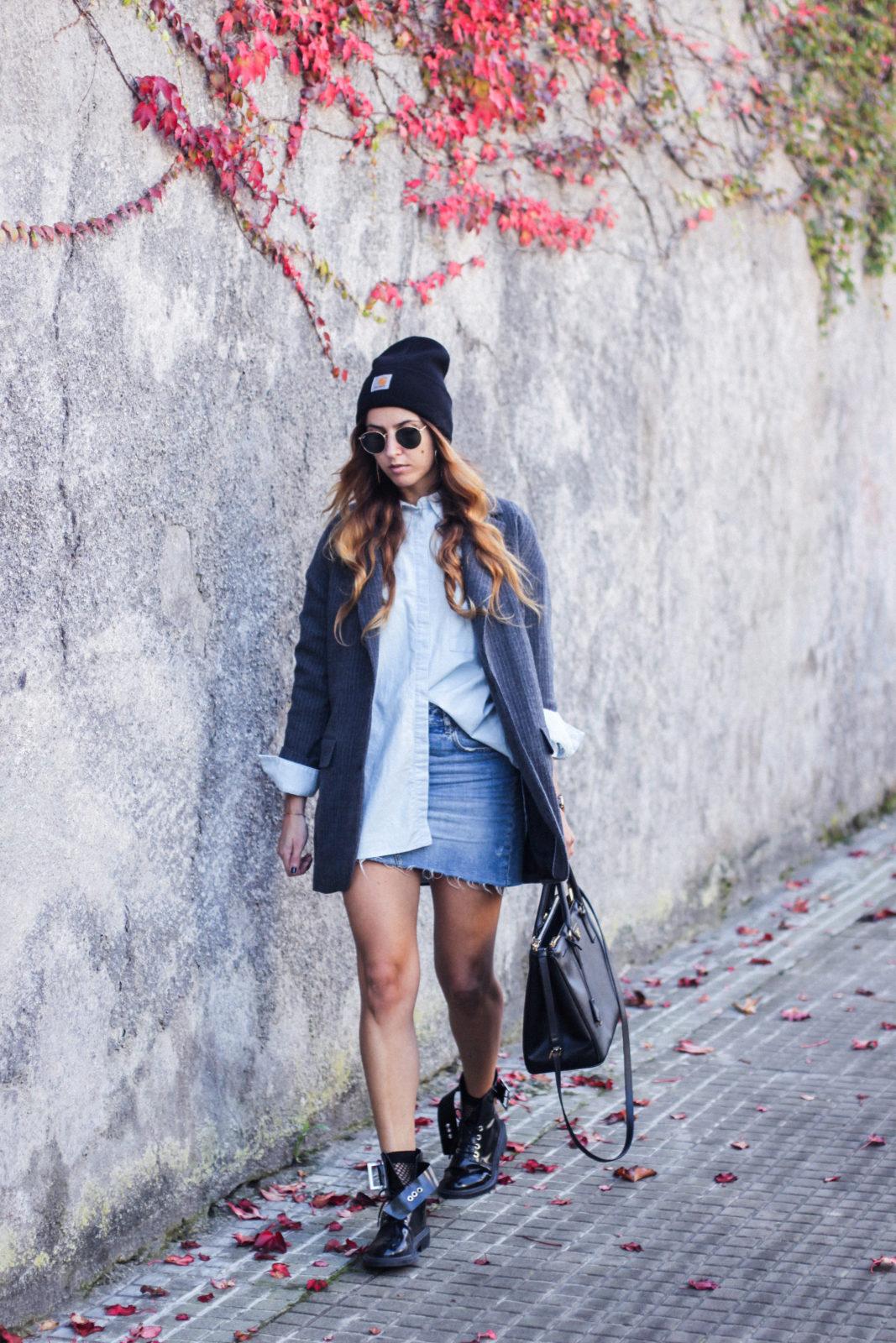 blazer_oversize_falda_vaquera_camisa_masculina_gorro_beanie_botas_moteras_tendencias_trends_2016_street_style_donkeycool-14