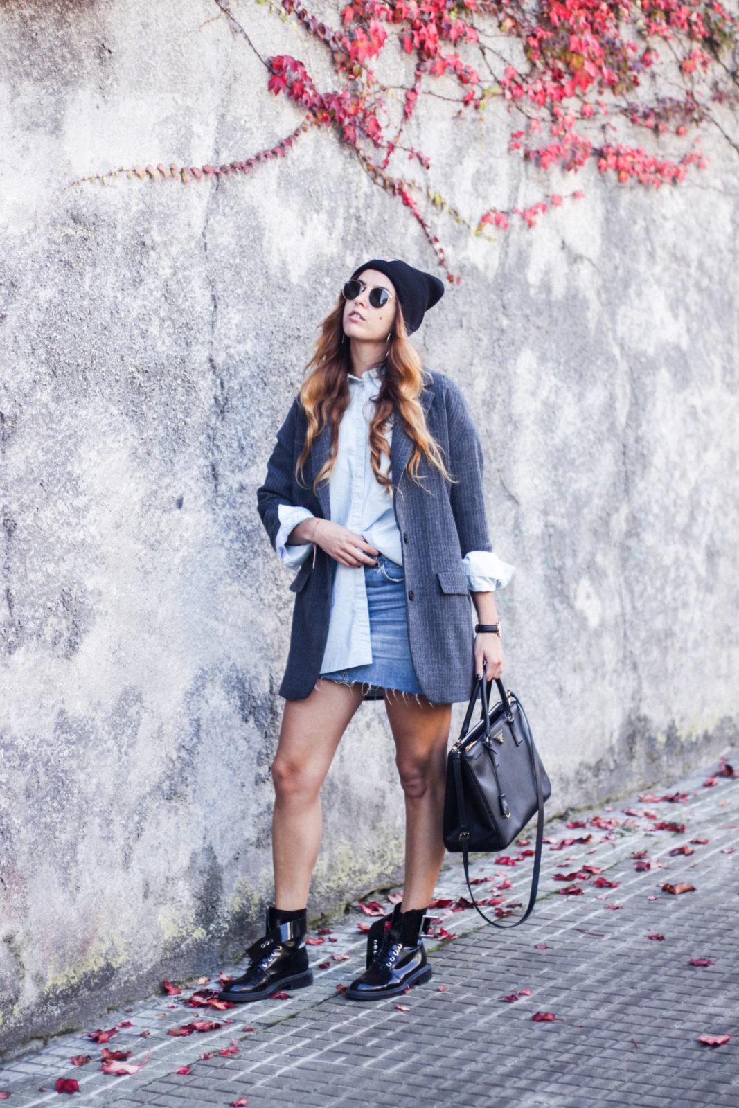 blazer_oversize_falda_vaquera_camisa_masculina_gorro_beanie_botas_moteras_tendencias_trends_2016_street_style_donkeycool-16