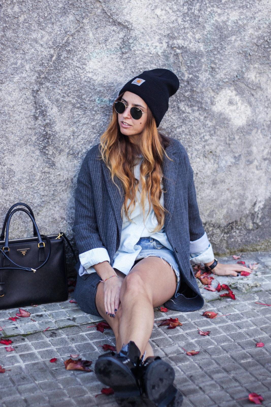 blazer_oversize_falda_vaquera_camisa_masculina_gorro_beanie_botas_moteras_tendencias_trends_2016_street_style_donkeycool-42