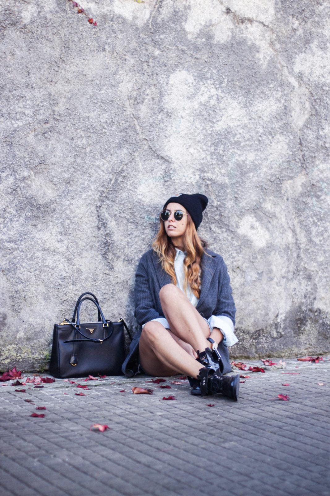 blazer_oversize_falda_vaquera_camisa_masculina_gorro_beanie_botas_moteras_tendencias_trends_2016_street_style_donkeycool-43