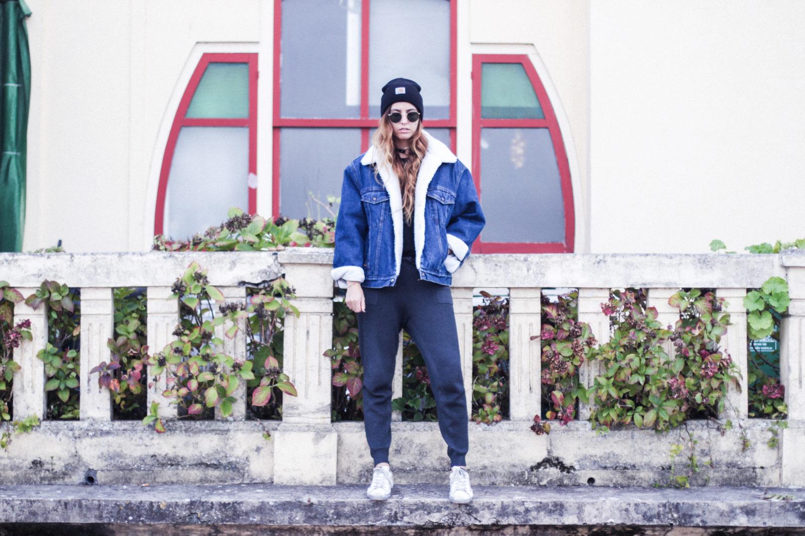 cazadora_vaquera_de_borreguillo_levis_vintage_golden_goose_gorrito_beanie_tendencias_2016_fall_trends_street_style_choker_donkeycool-16