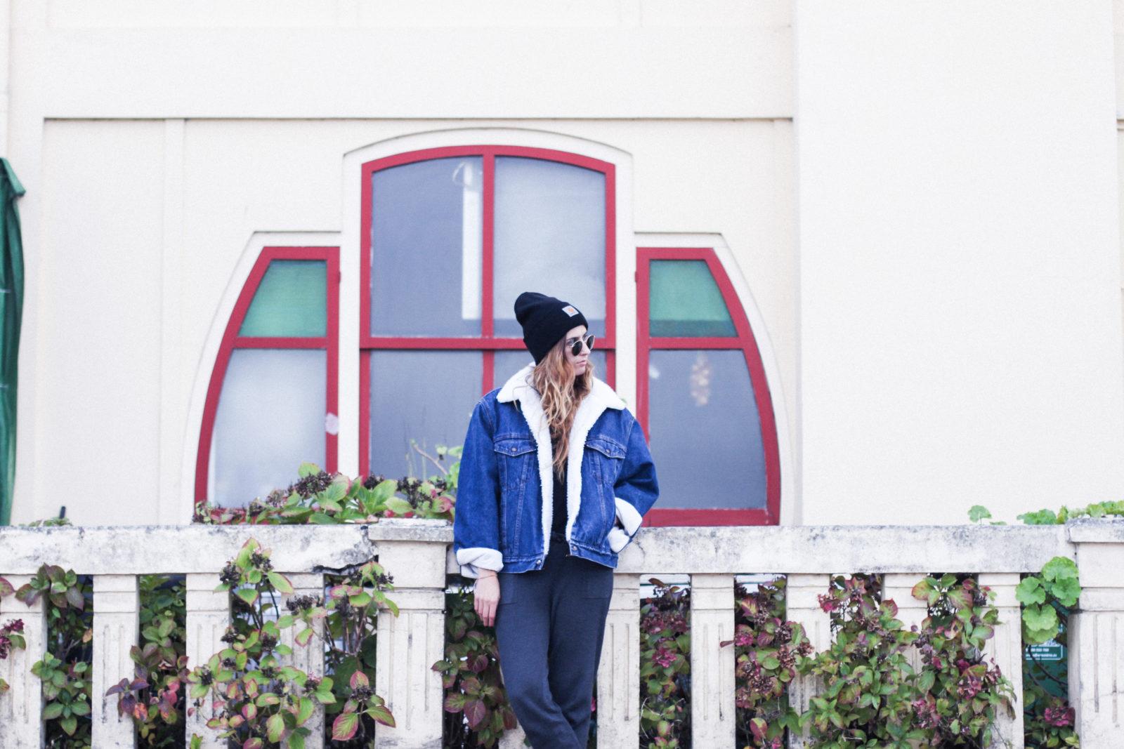 cazadora_vaquera_de_borreguillo_levis_vintage_golden_goose_gorrito_beanie_tendencias_2016_fall_trends_street_style_choker_donkeycool-18