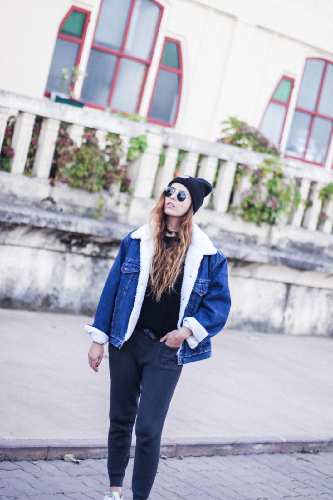 cazadora_vaquera_de_borreguillo_levis_vintage_golden_goose_gorrito_beanie_tendencias_2016_fall_trends_street_style_choker_donkeycool-31
