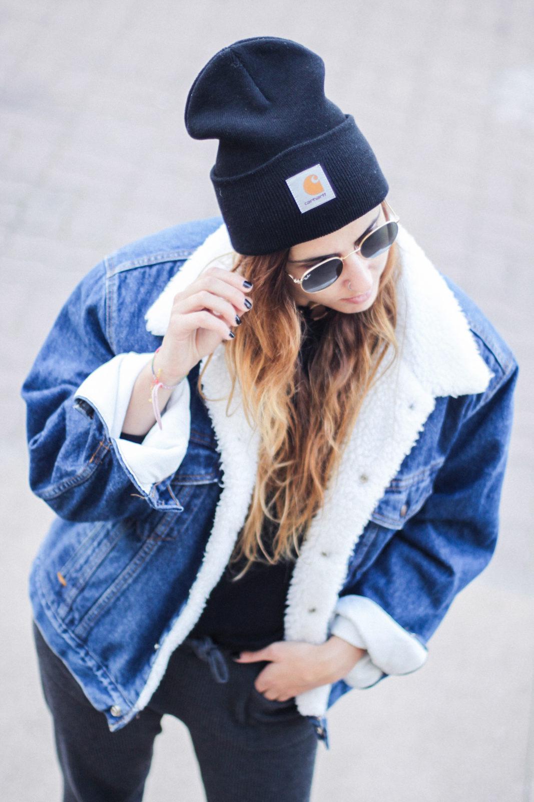cazadora_vaquera_de_borreguillo_levis_vintage_golden_goose_gorrito_beanie_tendencias_2016_fall_trends_street_style_choker_donkeycool-32