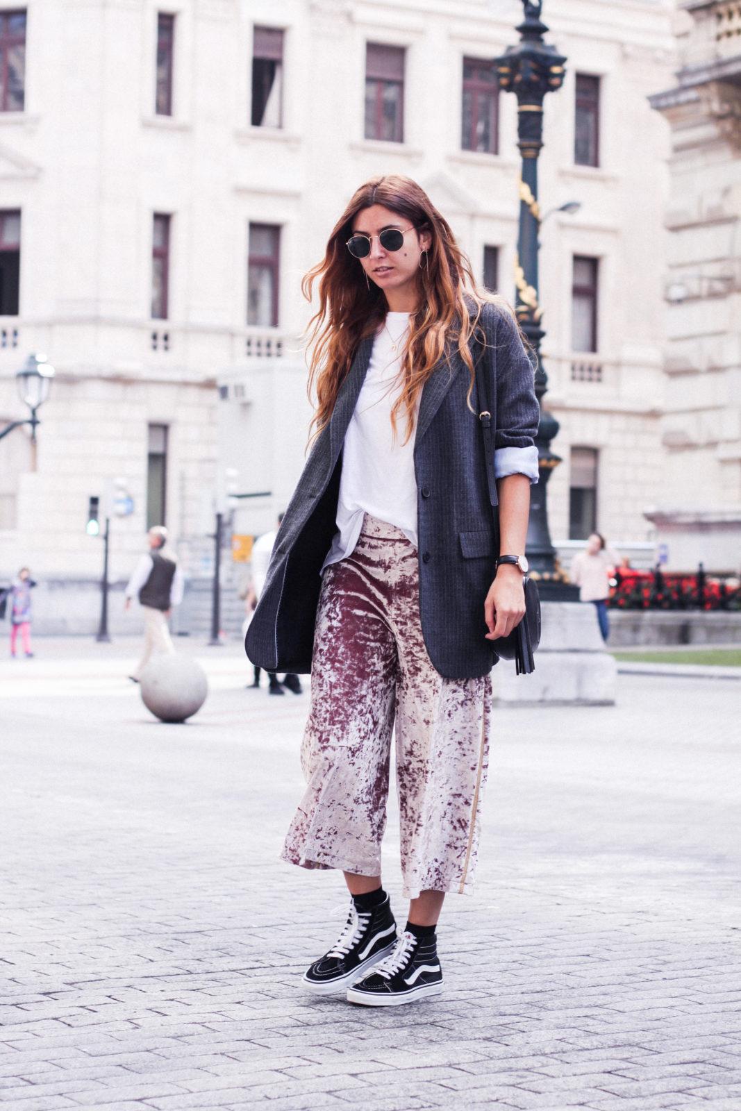 pantalones_terciopelo_rosa_pull_and_bear_blazer_vans_pendientes_aros_gucci-43