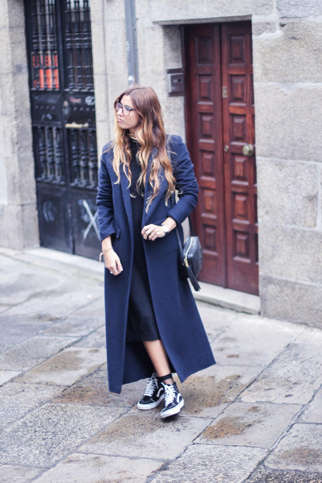 vestido_de_punto_midi_vans_calcetines_rejilla_choker_metalico_happiness_boutique_abrigo_largo_gucci_street_style_fall_2016_donkeycool-29