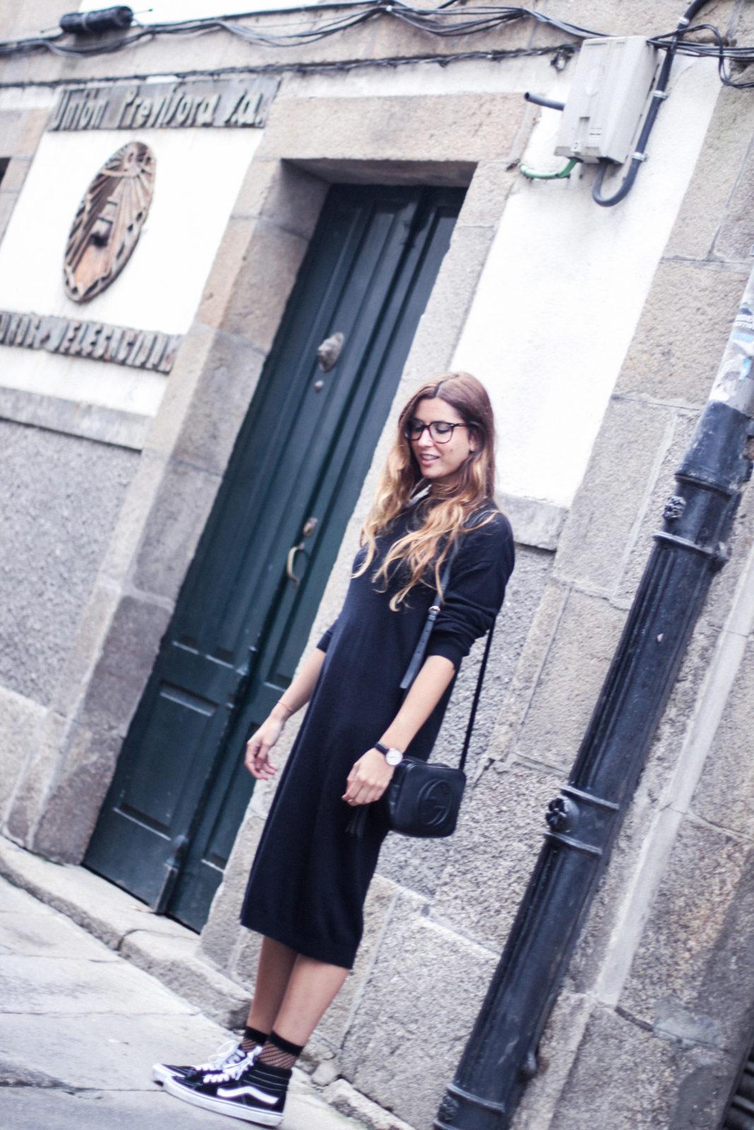 vestido_de_punto_midi_vans_calcetines_rejilla_choker_metalico_happiness_boutique_abrigo_largo_gucci_street_style_fall_2016_donkeycool-43