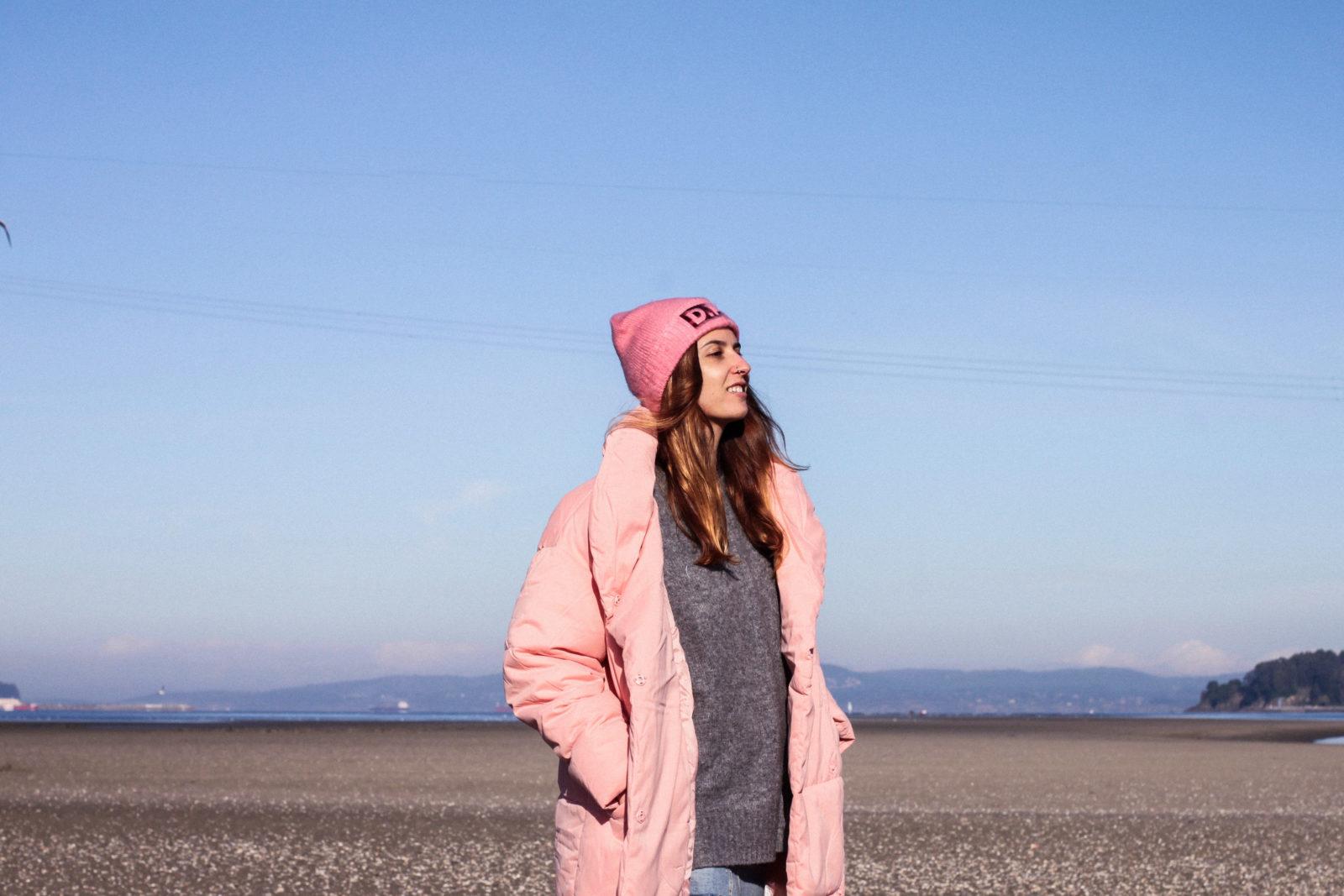 retailmenot-cupones-descuentos-asos-plumifero_rosa-monki-puffer_coat-gorro-beanie-medias_de_rejilla-look-outfit-tendencias-fall-2016-street_style-donkeycool-22