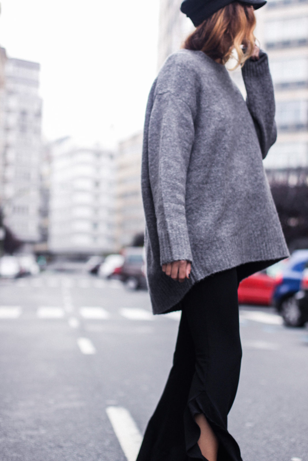 baker_boy_hat_flared_pants_vans_oversize_knit_fall_2016_trends_street_style_outfits_donkeycool-19