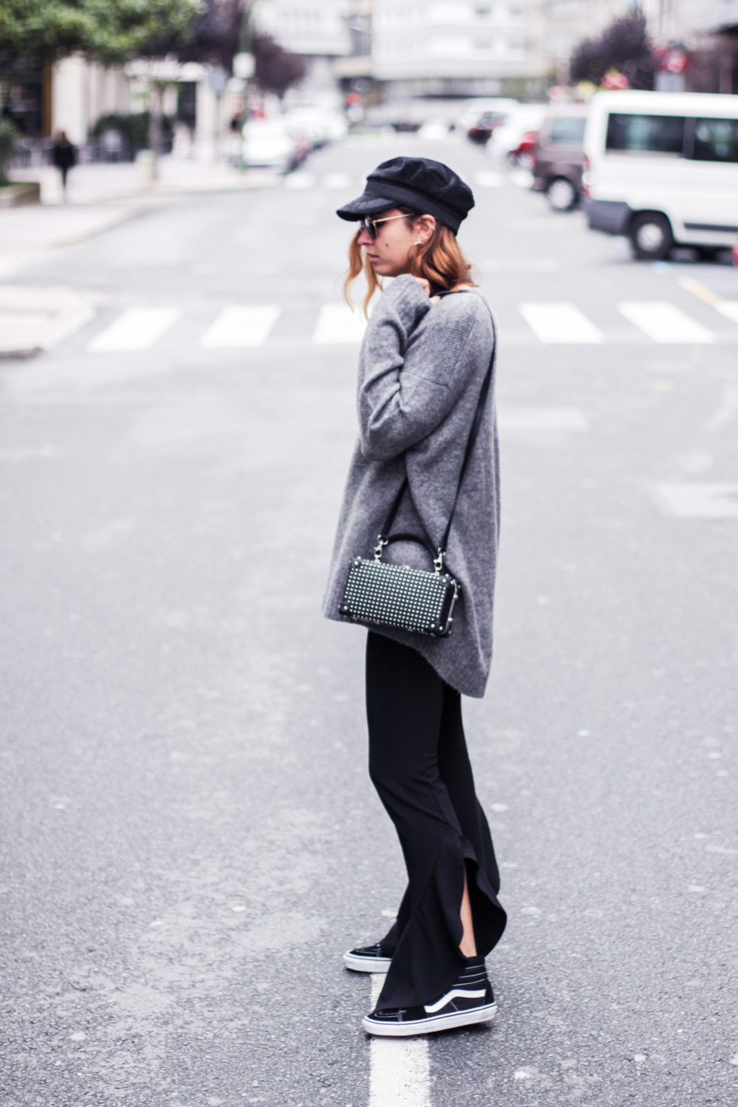 baker_boy_hat_flared_pants_vans_oversize_knit_fall_2016_trends_street_style_outfits_donkeycool-24