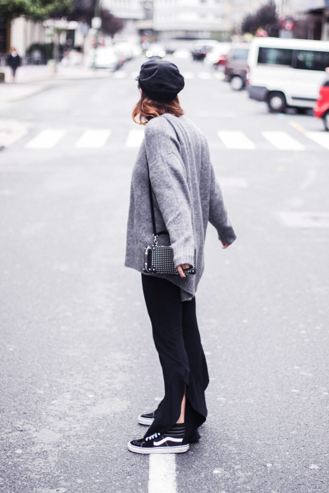 baker_boy_hat_flared_pants_vans_oversize_knit_fall_2016_trends_street_style_outfits_donkeycool-26