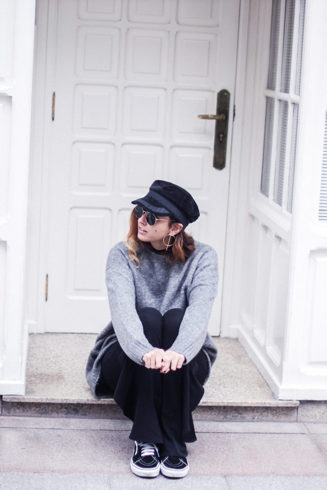 baker_boy_hat_flared_pants_vans_oversize_knit_fall_2016_trends_street_style_outfits_donkeycool-33