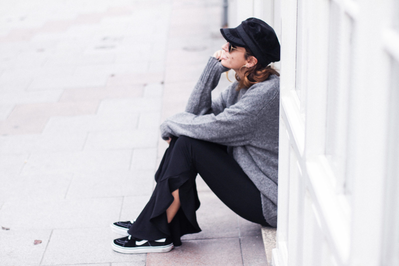 baker_boy_hat_flared_pants_vans_oversize_knit_fall_2016_trends_street_style_outfits_donkeycool-37