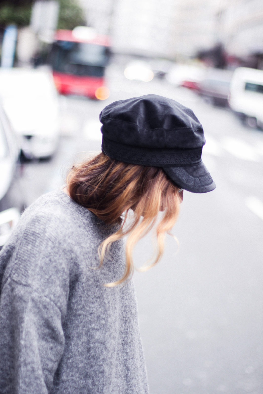 baker_boy_hat_flared_pants_vans_oversize_knit_fall_2016_trends_street_style_outfits_donkeycool-7
