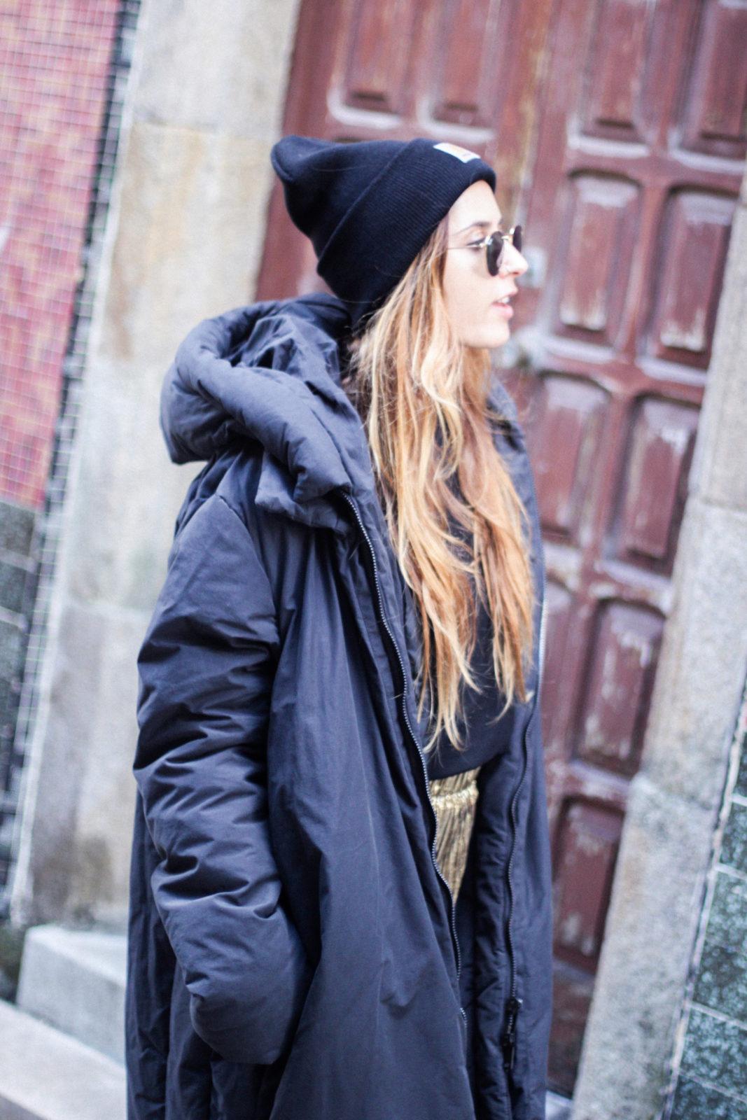 puffer_coat_plumifero_maxi_abrigo_calcetines_rejilla_falda_midi_metalizados_beanie_choker_vans-15
