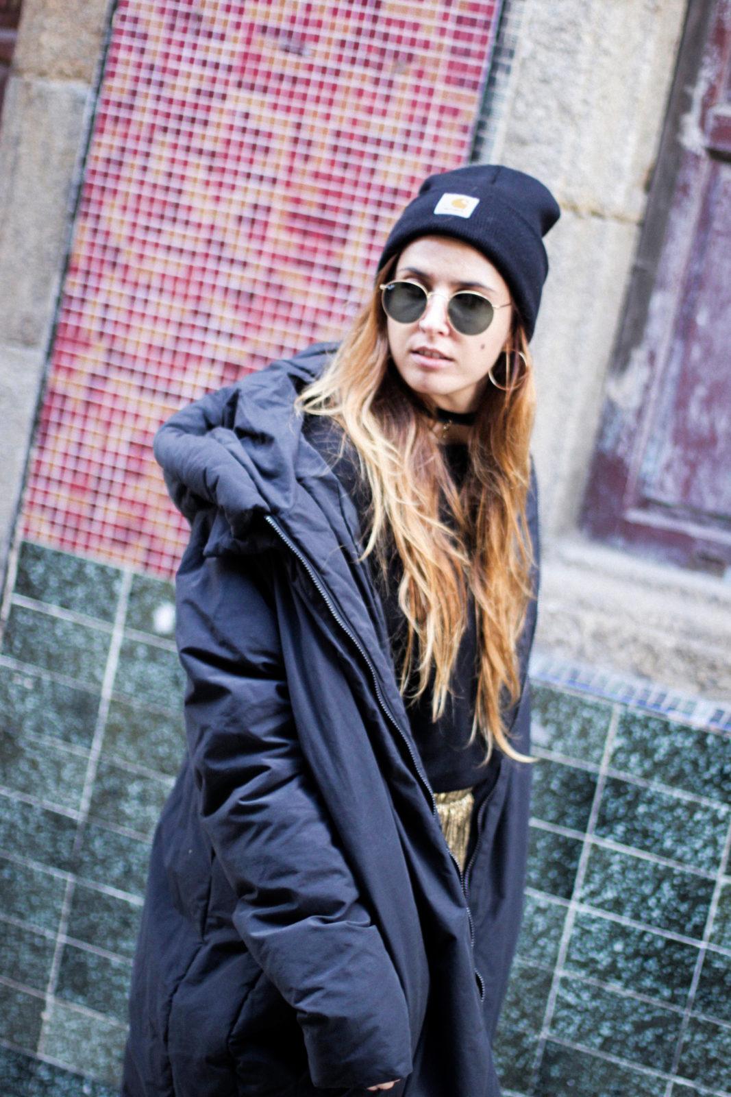 puffer_coat_plumifero_maxi_abrigo_calcetines_rejilla_falda_midi_metalizados_beanie_choker_vans-16