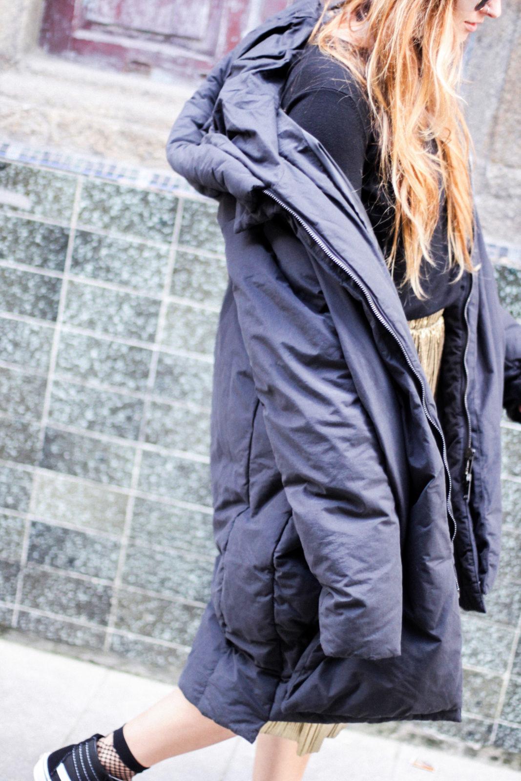 puffer_coat_plumifero_maxi_abrigo_calcetines_rejilla_falda_midi_metalizados_beanie_choker_vans-18