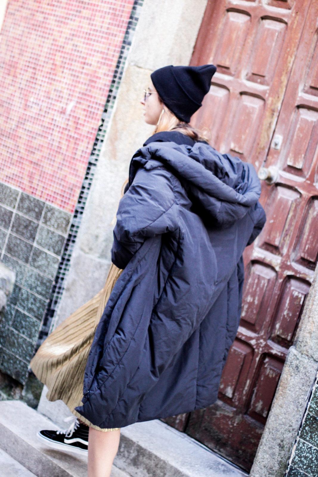 puffer_coat_plumifero_maxi_abrigo_calcetines_rejilla_falda_midi_metalizados_beanie_choker_vans-23