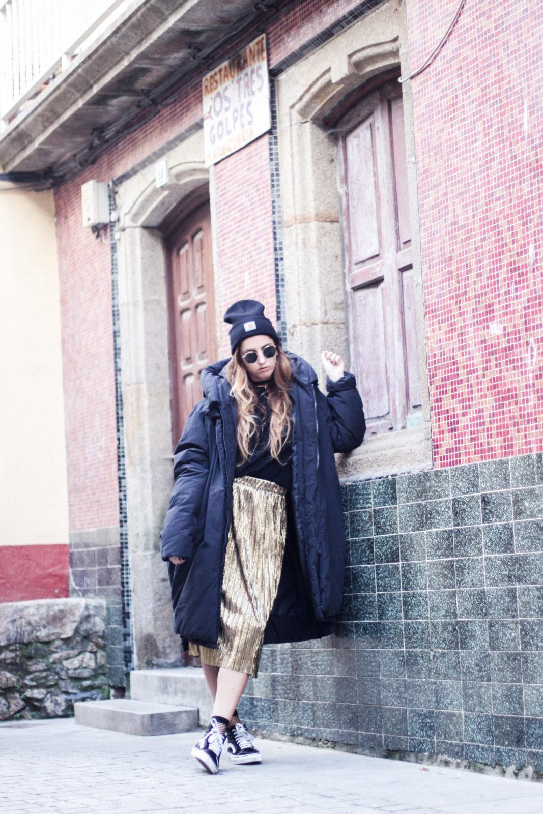 puffer_coat_plumifero_maxi_abrigo_calcetines_rejilla_falda_midi_metalizados_beanie_choker_vans-50