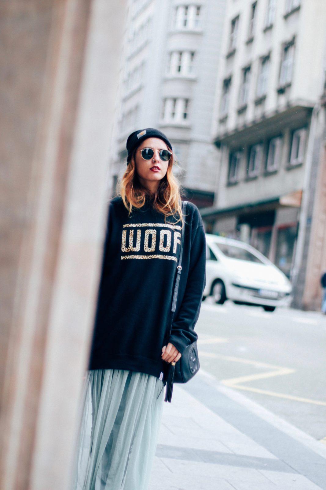 sudadera_old_dogs_falda_de_tul_vans_beanie_carhartt_look_donkeycool_street_style-11