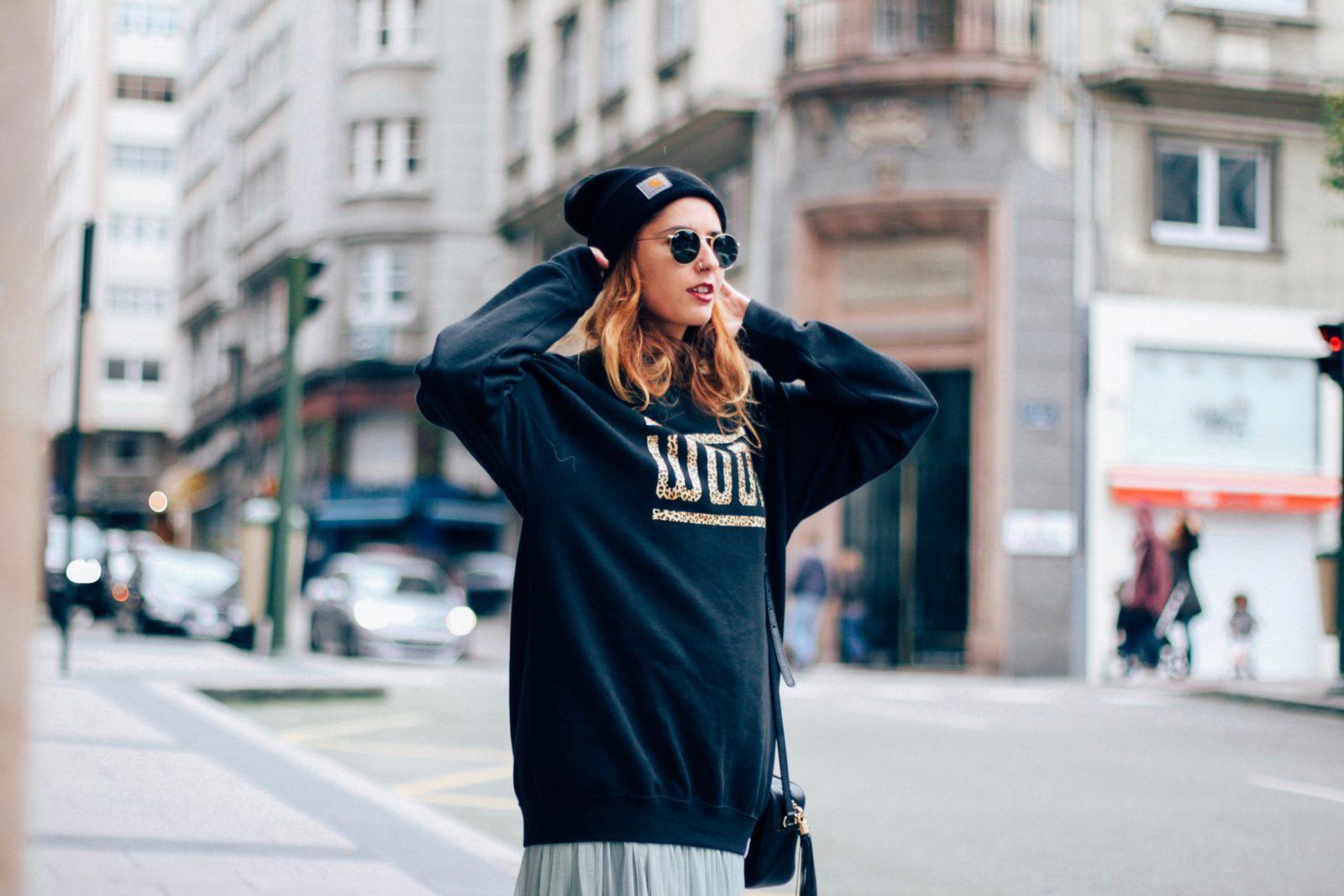 sudadera_old_dogs_falda_de_tul_vans_beanie_carhartt_look_donkeycool_street_style-13