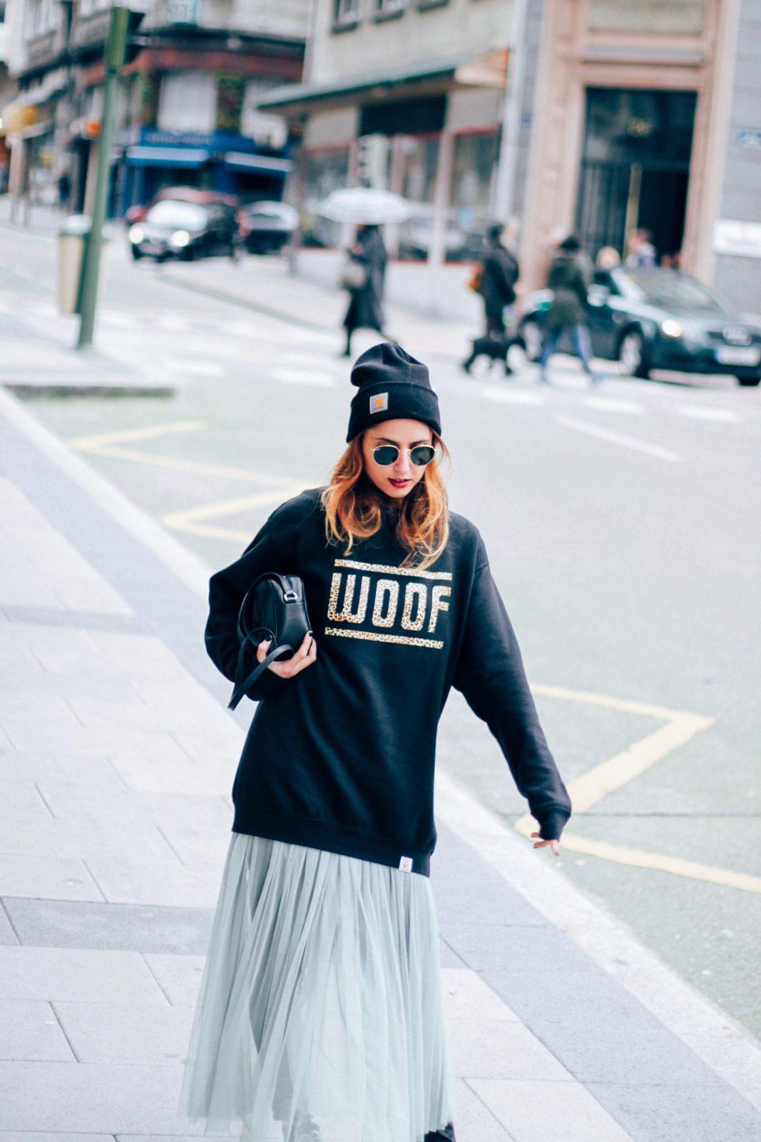 sudadera_old_dogs_falda_de_tul_vans_beanie_carhartt_look_donkeycool_street_style-21