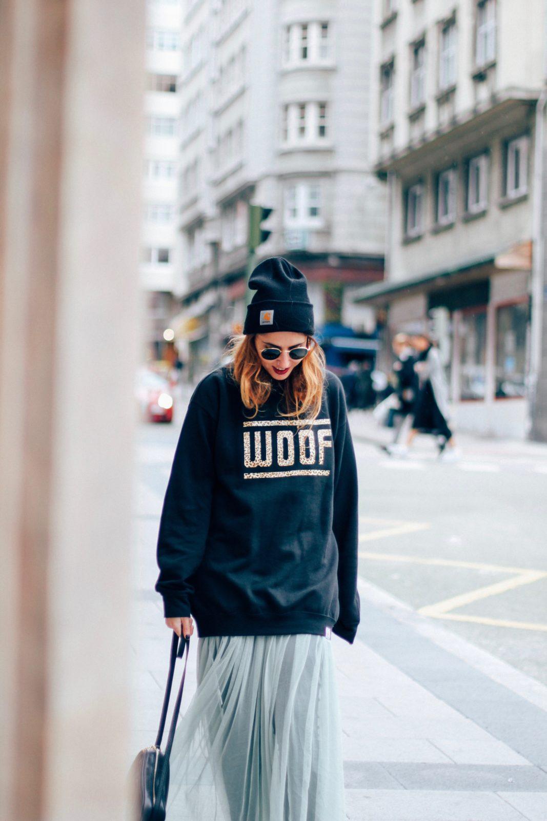 sudadera_old_dogs_falda_de_tul_vans_beanie_carhartt_look_donkeycool_street_style-27