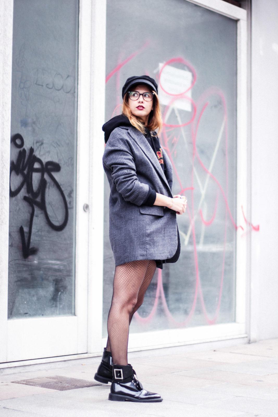 sudadera_wonder_woman_medias_de_rejilla_baker_boy_hat_gorra_marinera-35