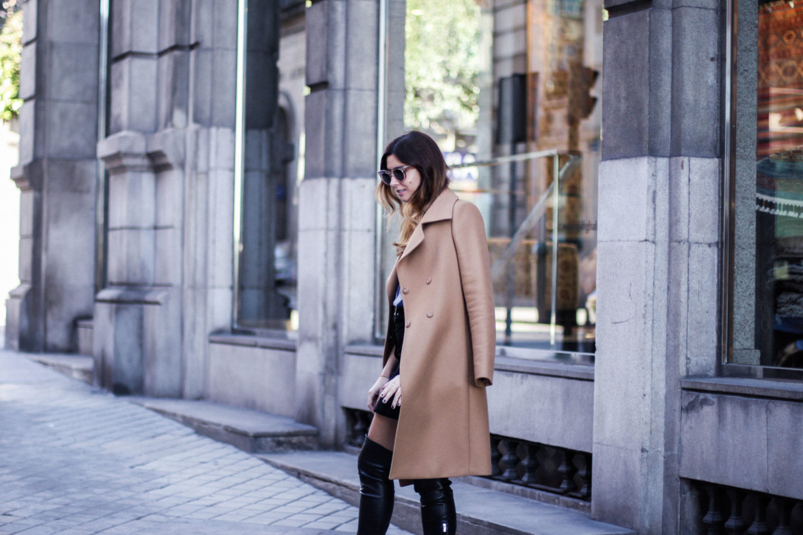 jersey_de_rayas-shein-falda-botas-altas-gucci-other_stories-abrigo_camel-looks-trends-fall-2016-street-style-donkeycool-4