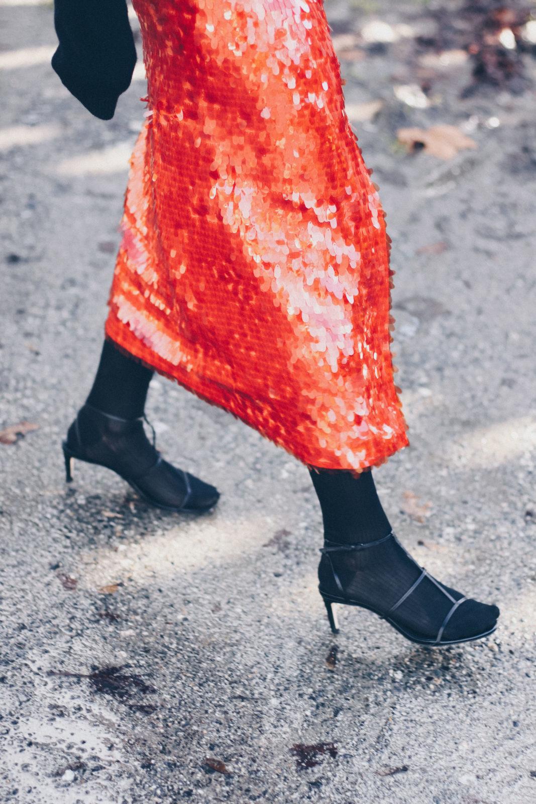 falda roja de lentejuelas